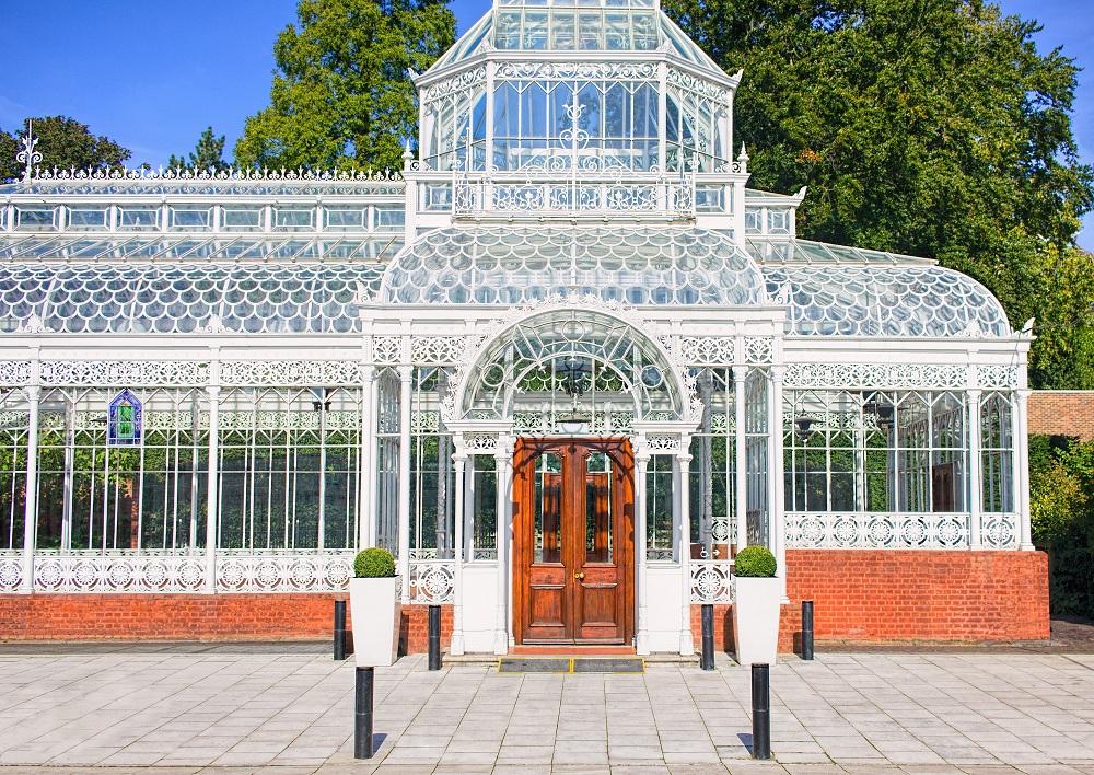 a glasshouse