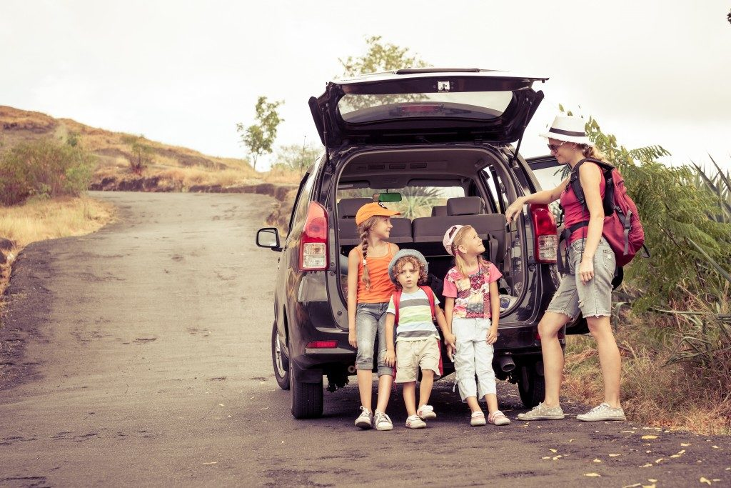 family in a road trip